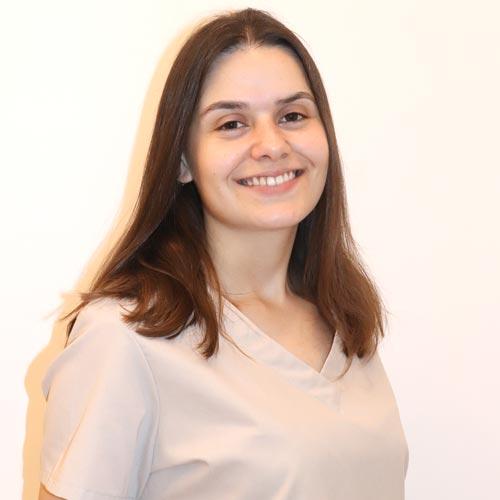 Laura César. Auxiliar de odontopediatría
