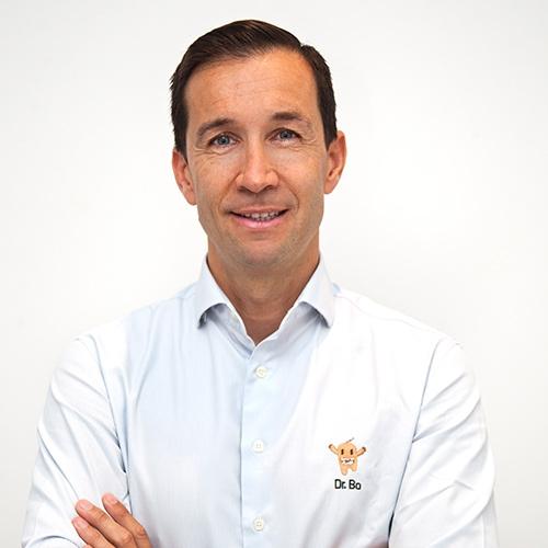Dr. Carlos Raga